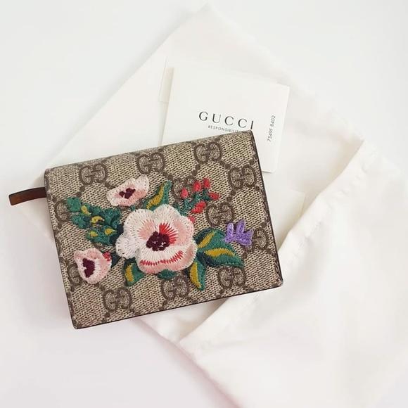 7c688bb5e Gucci Bags | Garden Wallet Online Exclusive | Poshmark